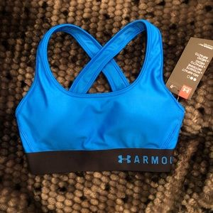 NWT UNDER ARMOUR Mid crossback Sports Bra size: XS